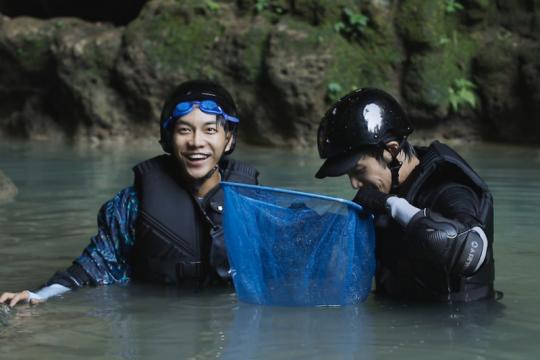 Lee Seung-gi & Jasper Liu mampir ke Gua Jomblang hingga Prambanan