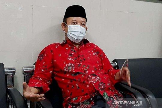 Sosok - Achmad Husein berjibaku agar warga terhindar dari COVID-19