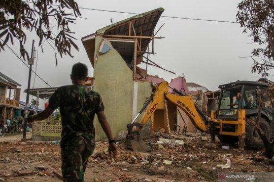 TNI AU perbaiki rumah warga yang tertimpa pesawat tempur