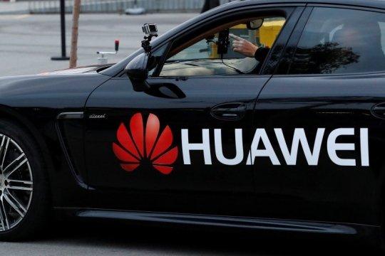 China sangat menentang larangan Inggris atas Huawei
