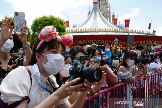 Disneyland California batal dibuka 17 Juli