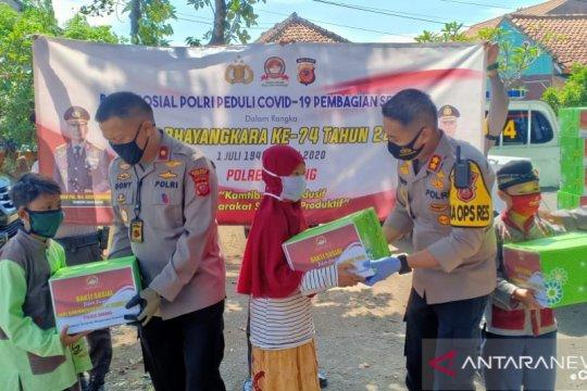 Pelajar asal Papua dan panti asuhan di Subang dapat bantuan sembako