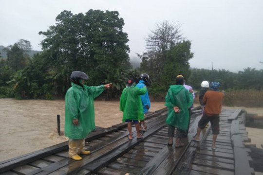 Banjir kepung Morut, tak ada korban jiwa, kerugian miliaran rupiah