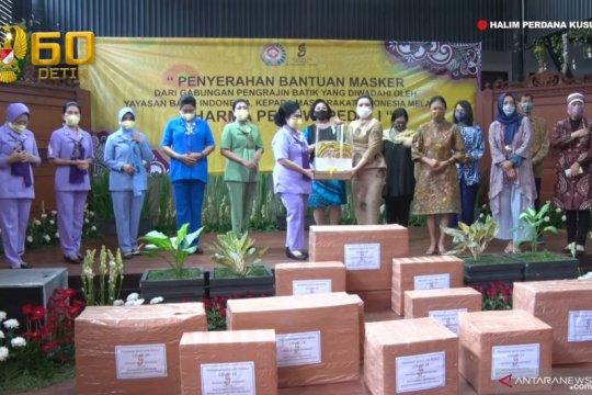 Dharma Pertiwi Peduli TNI terima 20.000 masker dari YBI