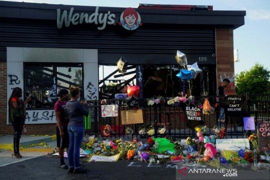 Publik beri penghormatan pada Rayshard Brooks yang  ditembak polisi
