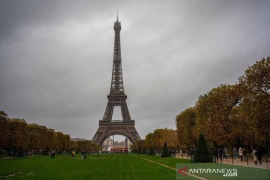 Menara Eiffel kembali dibuka