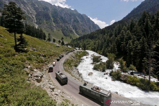 India ubah UU kontroversial pertanahan di Kashmir