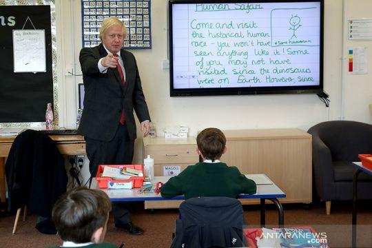 Sekolah-sekolah di Inggris dibuka kembali untuk semester baru