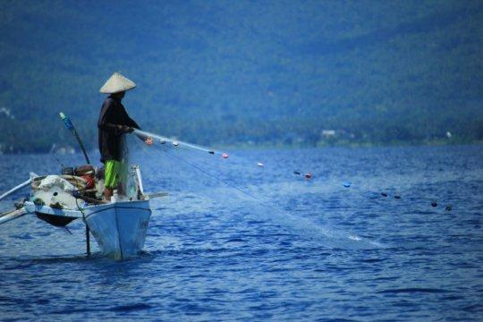 Jaga sumber daya laut nasional, Menteri KKP minta tolong ke nelayan
