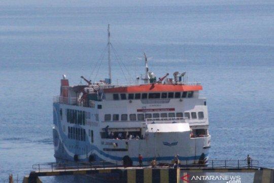 Akibat gelombang tinggi, ASDP batalkan pelayaran Kupang-Sabu Raijua