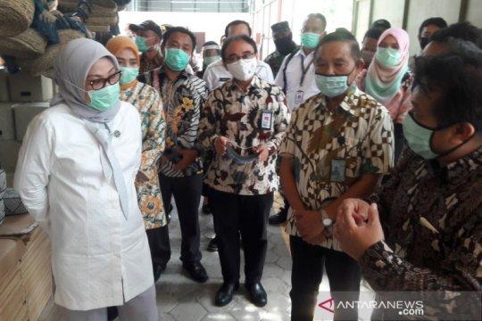 Menaker tinjau penerapan protokol kesehatan perusahaan di Yogyakarta