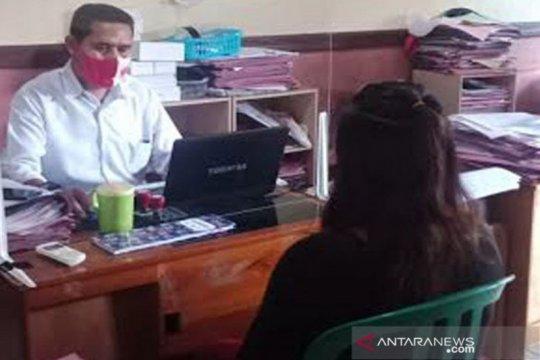 Curi 10 babi, Seorang perempuan ditangkap polisi