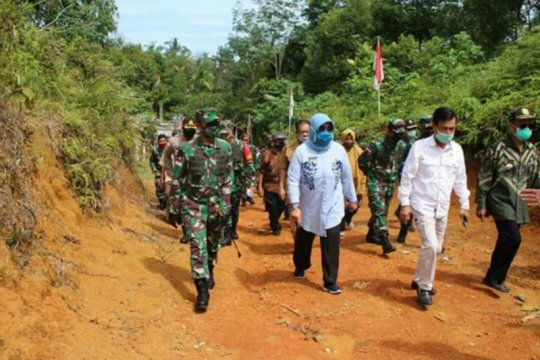 Pangdam XII/Tpr tinjau perbatasan RI-Malaysia di Temajuk