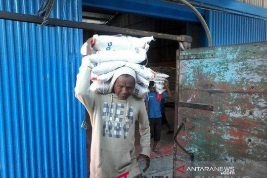 Bulog memastikan cadangan beras pemerintah di Sulteng memadai