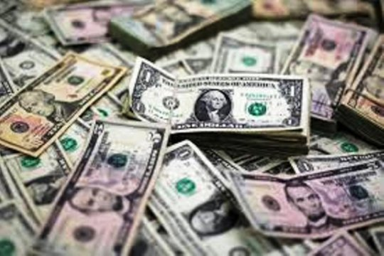 Dolar melemah karena optimisme pasar angkat mata uang berisiko