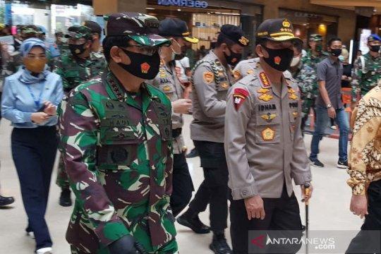 Panglima TNI harap masyarakat produktif dan patuhi protokol kesehatan
