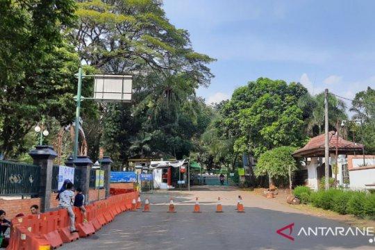 Hari pertama dibuka, pengunjung Ragunan hanya 328 orang