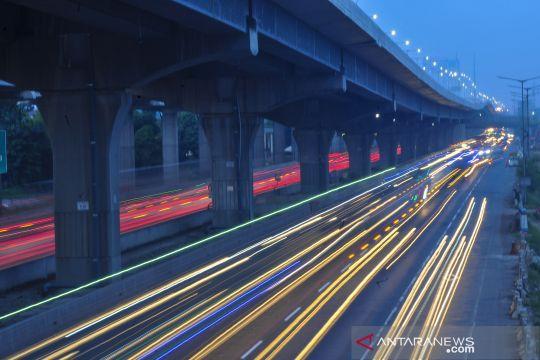 Jumlah kendaraan menuju Jakarta di tol Japek turun