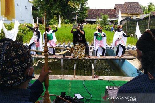 "Seniman Magelang performa ""Jagad Anyar"" untuk pesan ketahanan pangan"