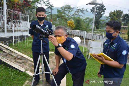 Stageof: Gerhana matahari cincin tak terlihat di Banjarnegara