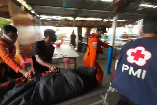 Dua orang meninggal dunia akibat perahu motor terbalik