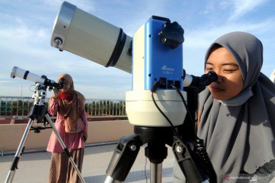 Persiapan mengamati gerhana matahari