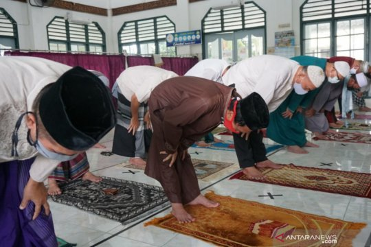 Warga Palembang tetap Shalat Kusuf meski gerhana tidak terlihat