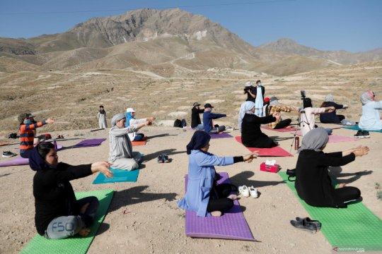 Hari Yoga Internasional di Kabul