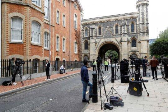 Inggris dikejutkan aksi penusukan yang dikaitkan dengan terorisme