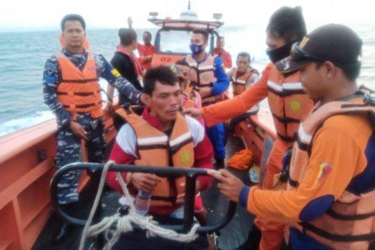 Basarnas Banten lakukan pencarian tujuh nelayan hilang di Selat Sunda