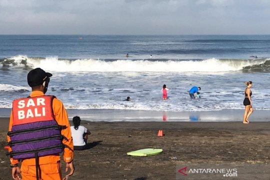 Seorang pemuda tenggelam terseret arus ombak di Pantai Perancak-Bali