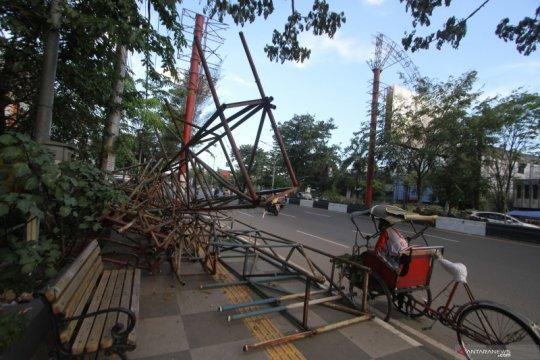 Kisruh pembongkaran baliho di Banjarmasin berbuntut laporan ke polisi