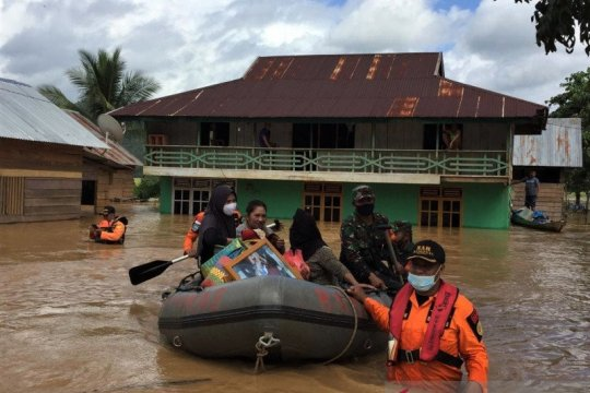 1.965 warga Konawe Utara mengungsi akibat banjir