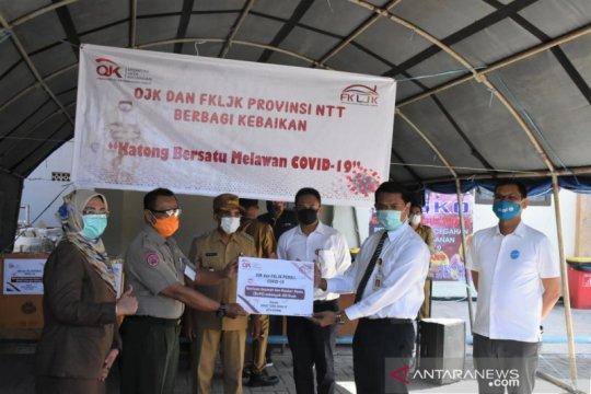 OJK distribusikan bantuan APD untuk tangani COVID-19 di Kota Kupang