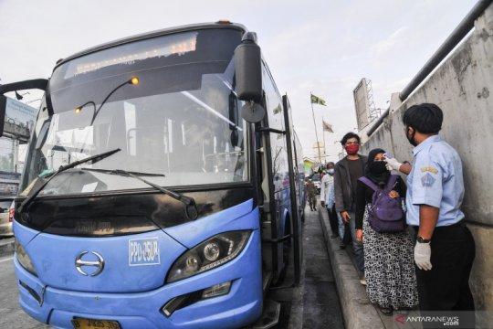 Bus alternatif untuk penumpang KRL diharapkan reguler mulai Agustus
