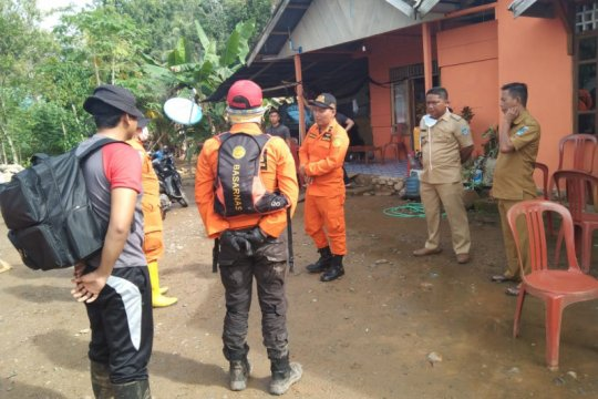 Tim SAR cari pekerja tambang yang hilang setelah izin ke sungai