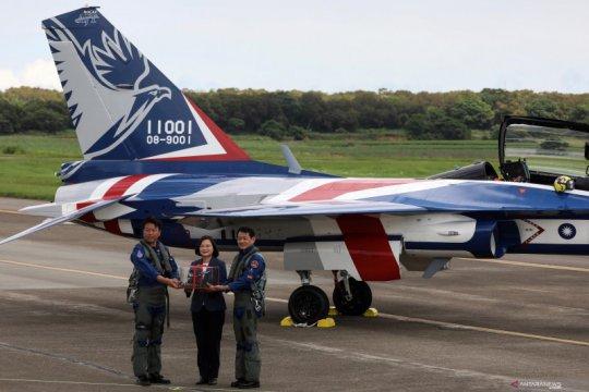 Taiwan luncurkan pusat perawatan jet tempur F-16