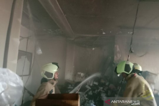 Korsleting sebabkan ruko tiga tingkat di Green Ville hangus terbakar