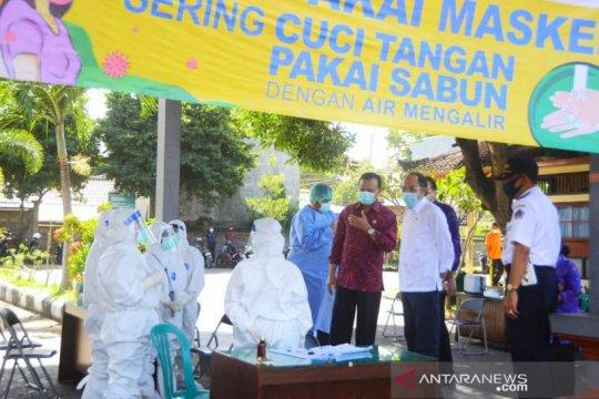 Sekda Bali: 1.700 pedagang di Pasar Galiran wajib jalani rapid test