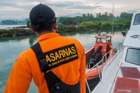 Basarnas cari korban kapal nelayan tenggelam di Selat Sunda