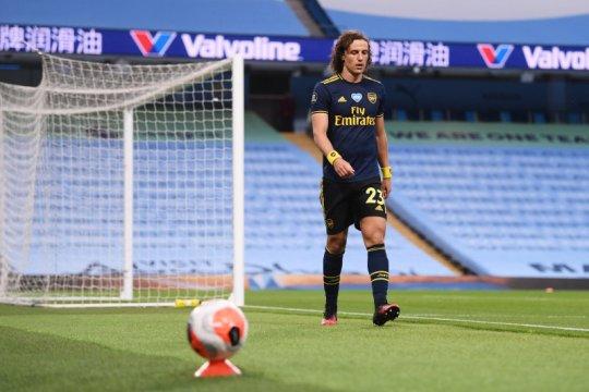 Kontrak David Luiz diperpanjang satu tahun