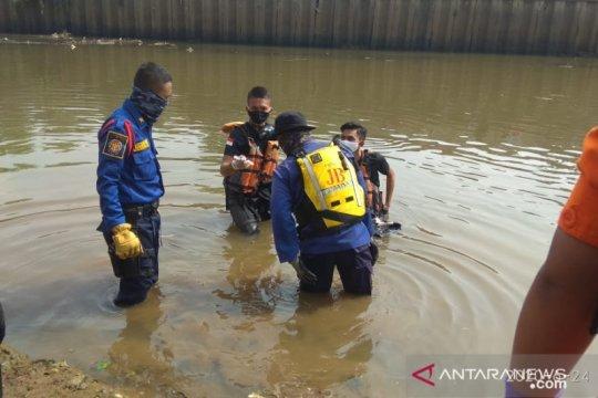 Bocah tenggelam di Pintu Air Kali Pesanggrahan ditemukan tewas