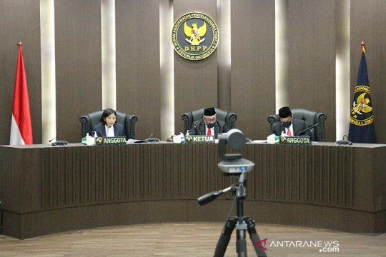 Sidang etik, DKPP berhentikan 2 penyelenggara pemilu