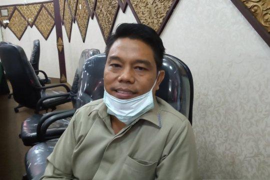Pimpinan DPRD Padang usul pemangkasan belanja daerah tingkatkan PAD