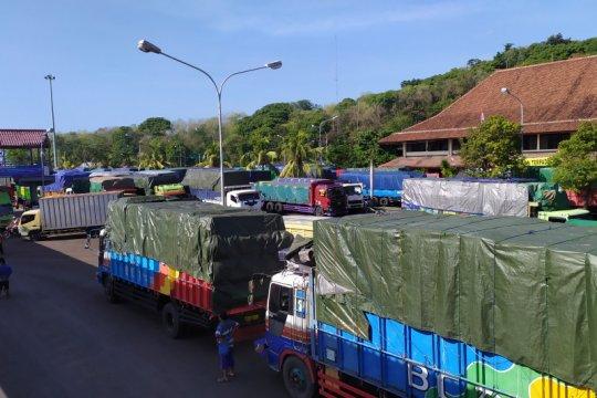 Setelah kapal karam, Pelabuhan Padangbai mampu tampung 120 truk