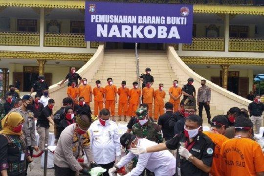 Polda Riau musnahkan narkoba miliaran rupiah