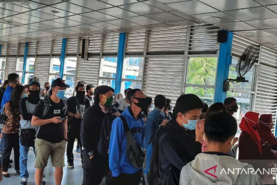 Walhi Jakarta ingatkan warga gunakan masker kain kurangi limbah medis