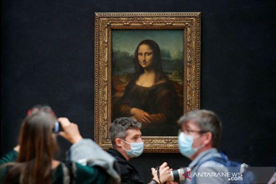Museum Louvre kembali dibuka untuk umum