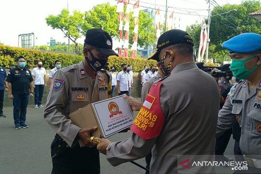 Polres Metro Jakarta Barat sebarkan 10.000 paket sembako