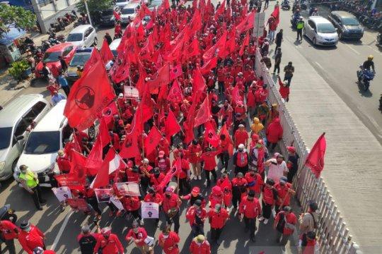 Massa PDIP ingin pelaku pembakar bendera partai ditangkap